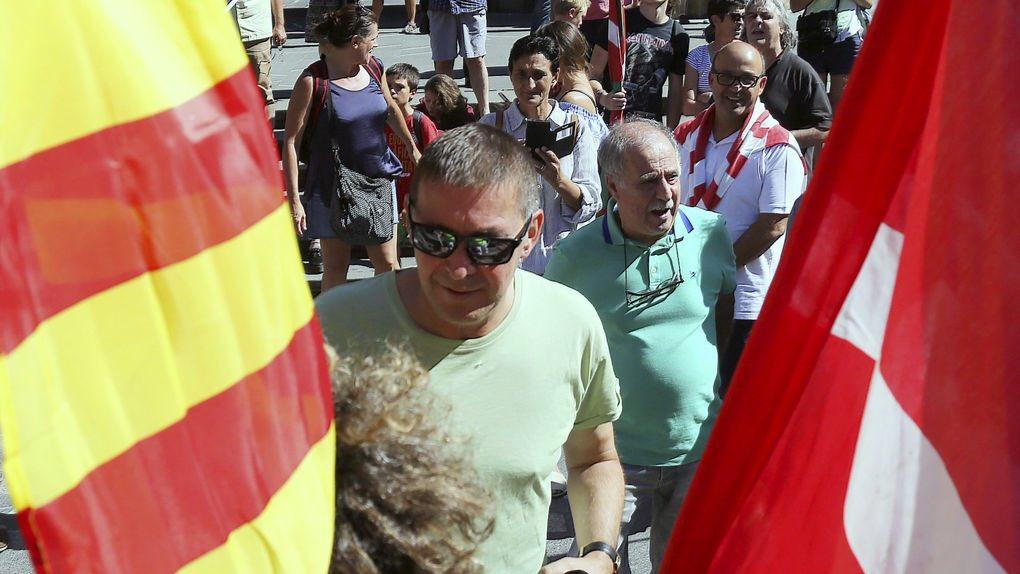El procés ha contado con el apoyo explícito de una manifestación de etarras liderados por Otegi. Terrorismo e independentismo, de la mano.