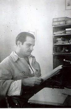 el escritor Pedro Víctor Debrigode