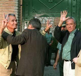 El exsecretario de Estado entra en prisión junto al exministro del Interior José Barrionuevo