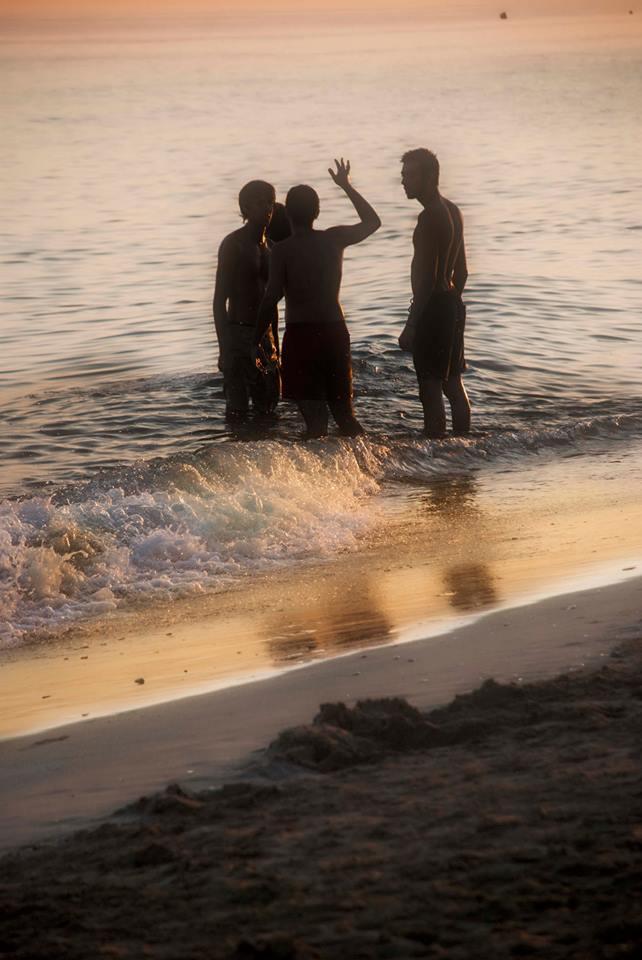 Infantil sociedad. Foto 1 de Rodolfo Arévalo