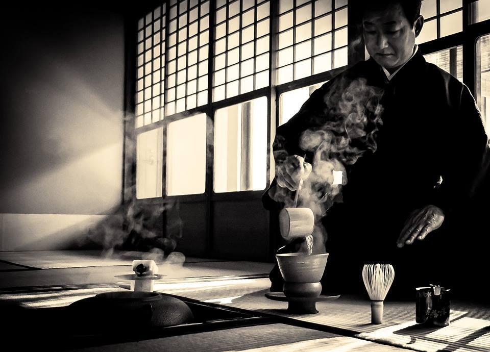 «Conocimiento es aprender algo cada día; sabiduría es desprenderte de algo cada día». Proverbio zen