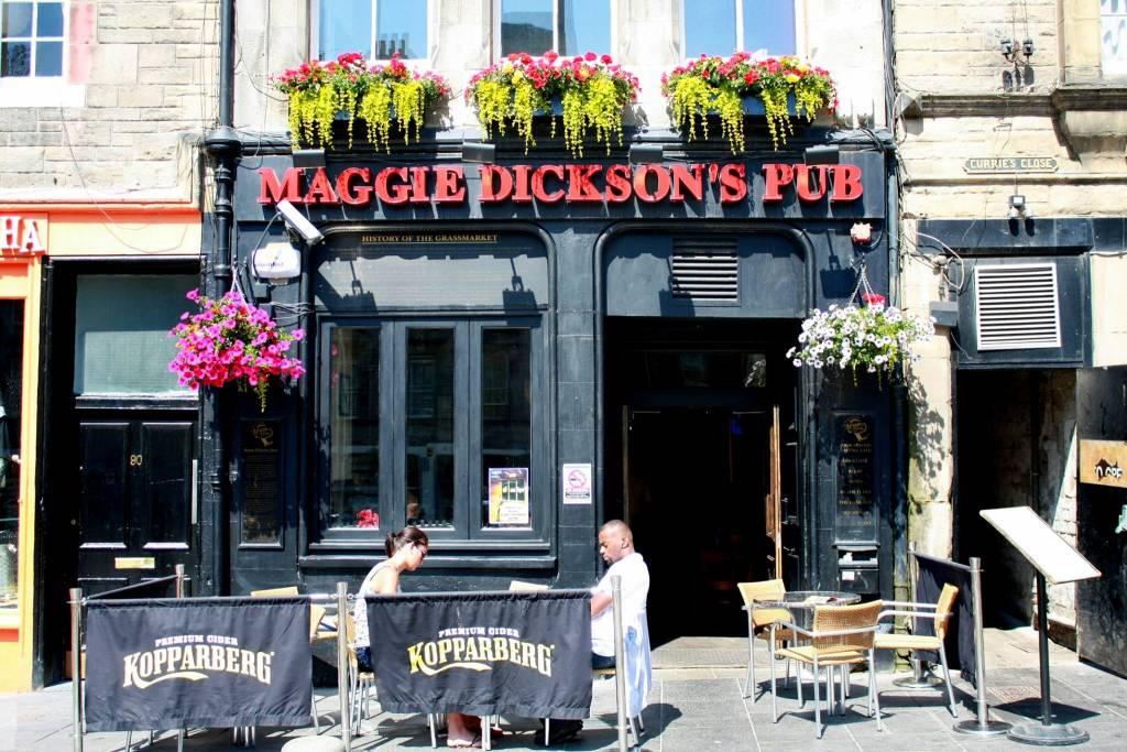 Y por eso el bar de en frente de la horca, 300 años más tarde, se llama Maggie Dickson