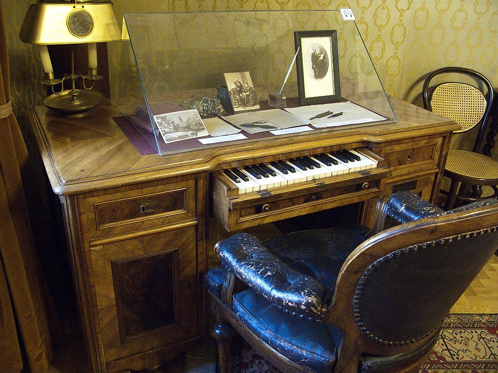 El piano de escritorio de Franz Liszt