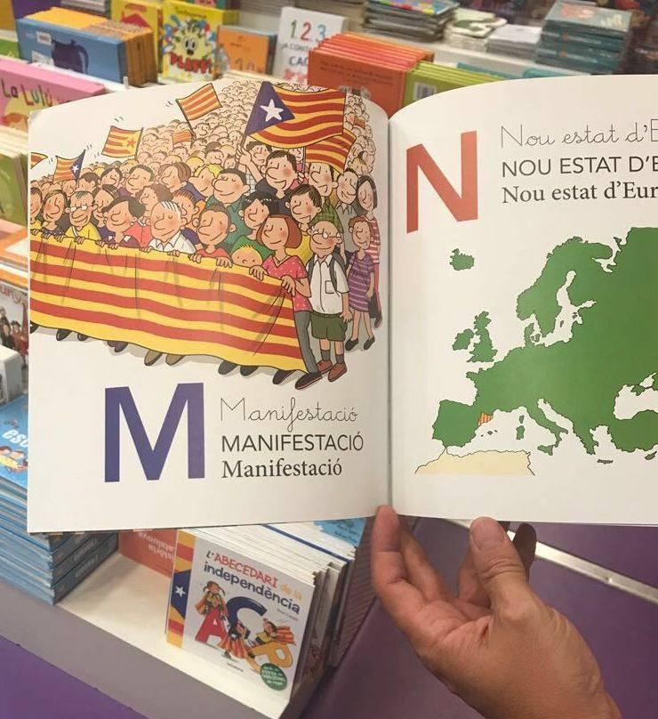 """Con la """"M"""" de manifestación, la revolución de la sonrisa... """"ya tendremos tiempo de matarles mañana como decía un vocero separatista"""