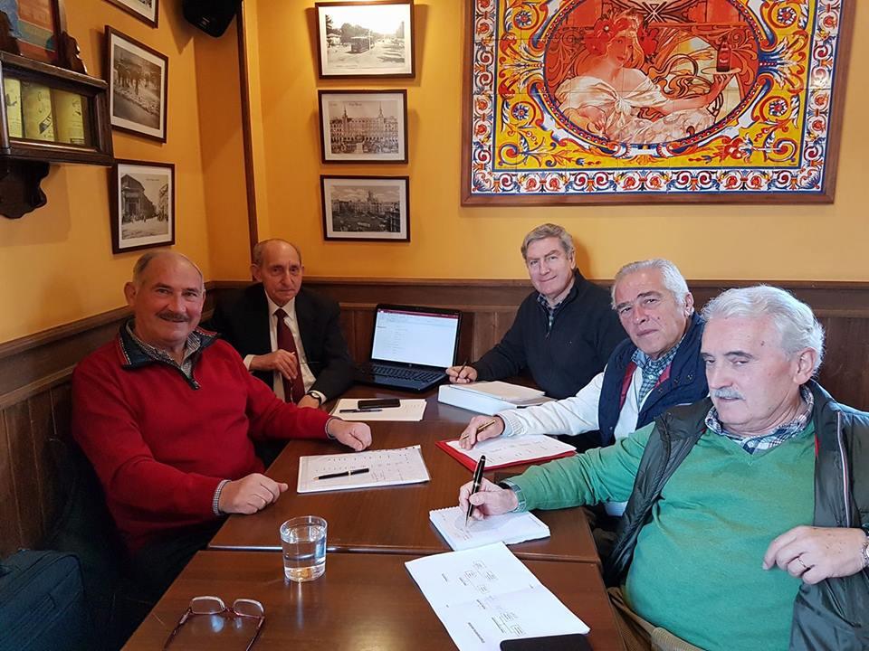 El equipo de trabajo de la Asociación de Jubilados Españoles. Seguimos avanzando con paso firme. — con Juan José García Lázaro, Pedro Vicente García, Ramon Calvo y Antonio de la Torre.