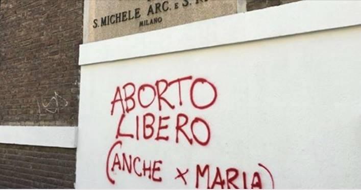 La parroquia de San Miguel Arcángel y Santa Rita, en Milan, Italia, amaneció hace unos días con una pintada pro-aborto