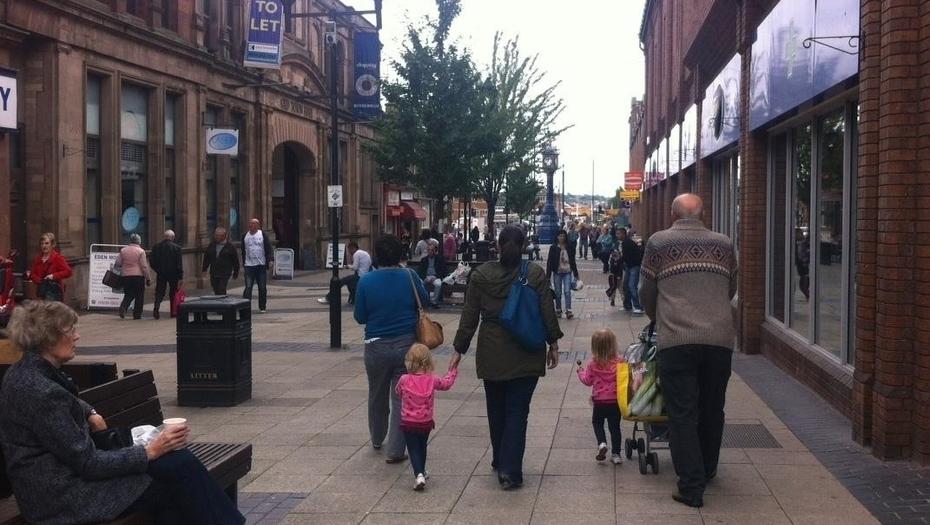 Una calle del centro de Rotherham, Inglaterra, donde unos 1400 chicos fueron abusados por una banda organizada durante más de 15 años