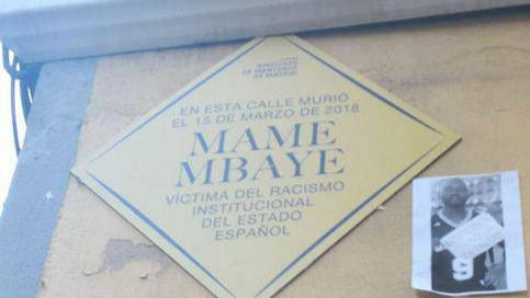 Placa colocada en la calle del Oso de Madrid.