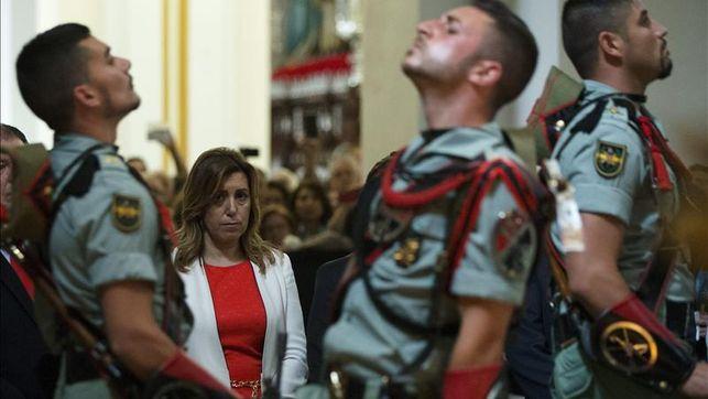 Susana Díaz conoce el Cristo de Mena y el Cautivo de Semana Santa de Málaga