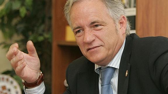 El malagueño Joaquín Ramírez entre 27 senadores que pilotarán la comisión del artículo 155
