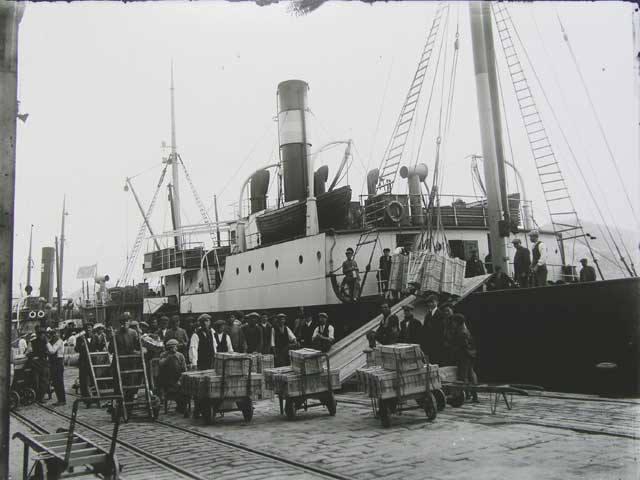 los barcos soviéticos Kine, Kursk, Neva y Volgoles zarparon de Cartagena con el oro