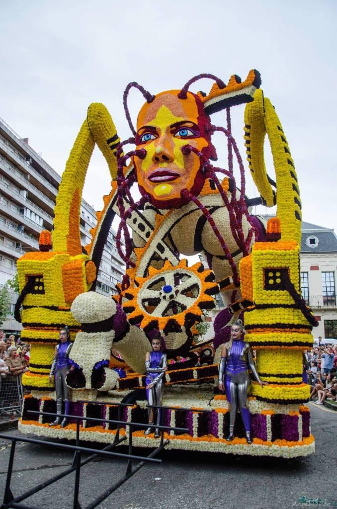 Laredo luce la capacidad artística de sus habitantes en su evento mayor, nuestra Batalla de Flores