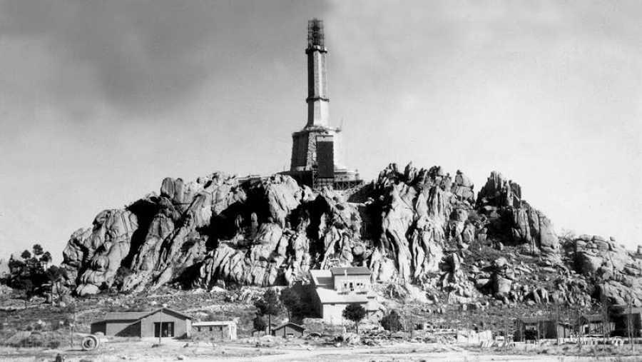 Obras de construcción del Valle de los Caídos en 1952