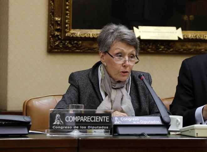 Rosa María Mateo en su comparecencia de hoy en el Parlamento. Foto de Javi Martínez para El Mundo