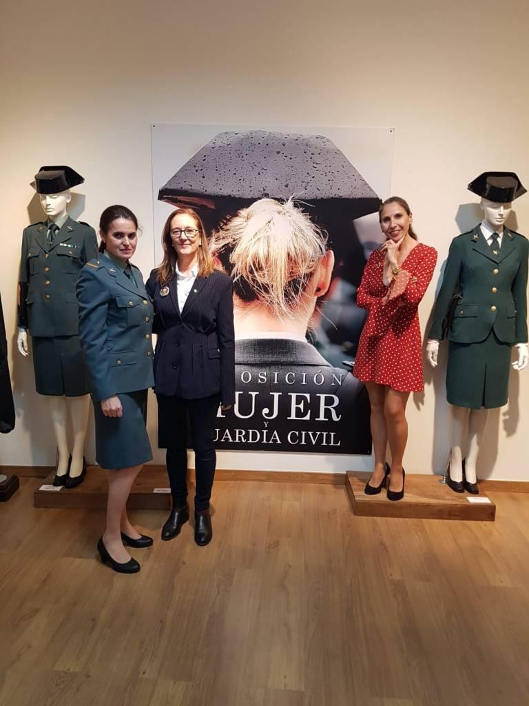 La exposición visibiliza a la mujer en la Guardia Civil