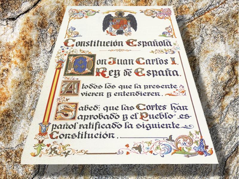 Según la Constittución ¿Se puede disolver una Comunidad Autónoma?