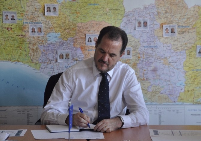 Carlos Iturgaiz: todavía se debe trabajar por cumplir la Constitución Española, porque en el P. Vasco no se cumple