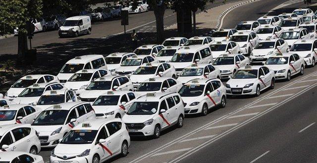 Arranca la huelga que puede dejar sin Taxis a Madrid durante FITUR
