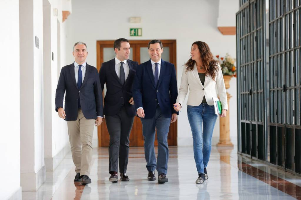 En el inicio de las primeras reuniones qye han llegado al nuevo gobierno en Andalucía