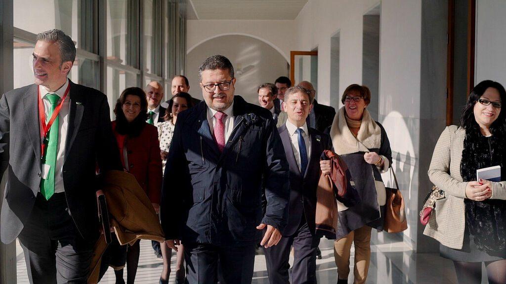 secretario general de Vox, junto a Francisco