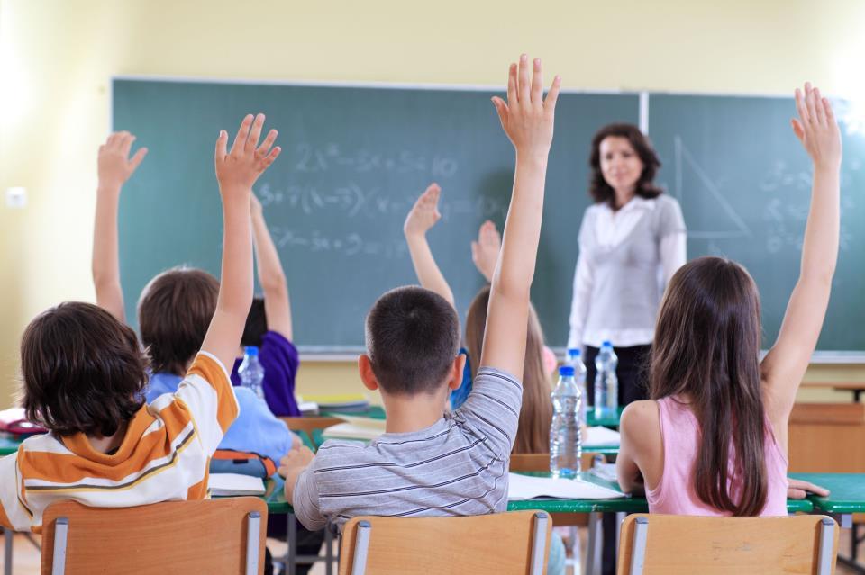 De enseñar versus educar igualando en la mediocridad y el Panfleto Antipedagógico