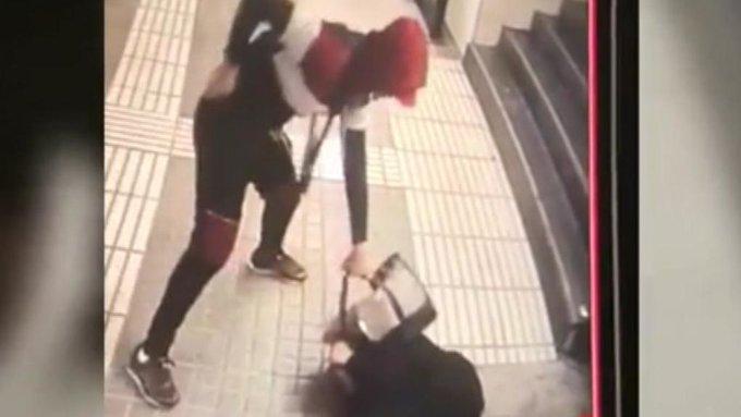 Brutal paliza en el metro de Barcelona