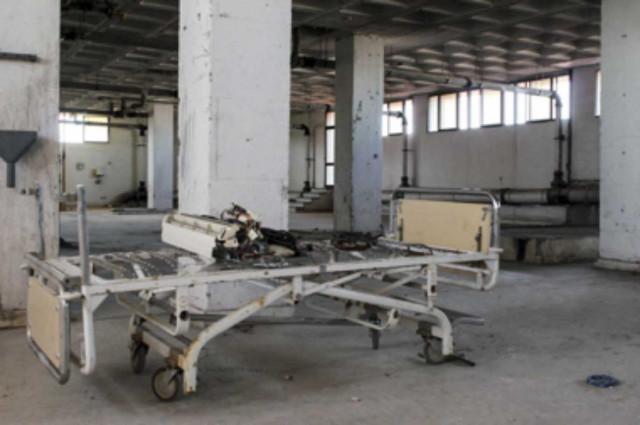 En el año 2010, la Consejera de Salud socialista afirmaba que el retraso en la remodelación se debía a la envergadura de las obras