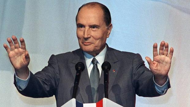 François Mitterrand lo tenía claro: no se puede estar al mismo tiempo en el gobierno y en la oposición