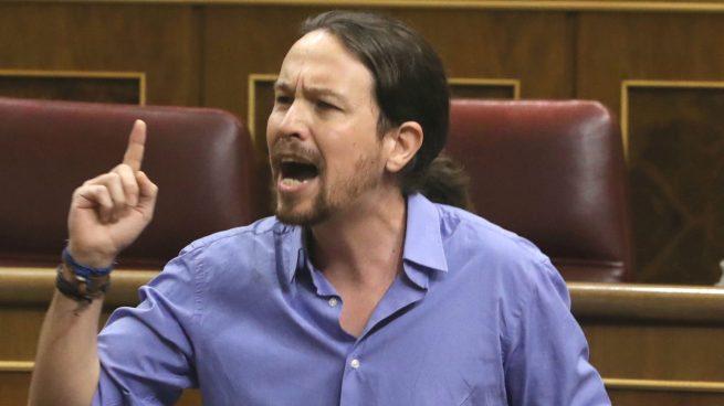 El comunista de extrema izquierda Pablo Cloacas, niega que España sea una Democracia. La Democracia de este rojo sería que todos los poderes estuvieran bajo su mando para controlar todo, esa es la Democracia de este personaje. Tuit de El último Templario