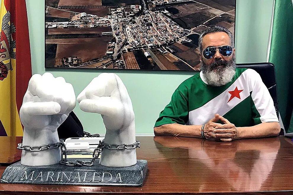 El jornalero de salón, Alcalde de marinaleda, Sánchez Gordillo